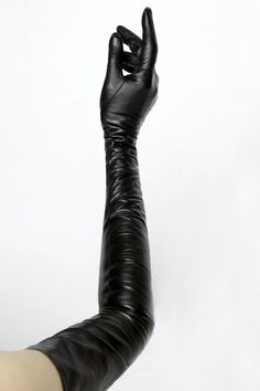 the basic model that all other ladies' gloves should radiate from. Soft leather is the best material, and it should be a tight fit over a petite hand. Gloves Fashion, Fashion Accessories, Black Leather Gloves, Leather Pants, Soft Leather, Leder Outfits, Stephane Rolland, Long Gloves, Shoes