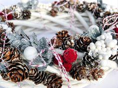 Christmas wreath by Ayeeda