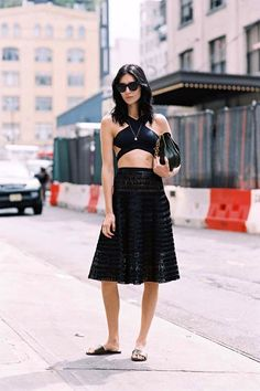 An Incredibly Cool All-Black Look For Summer