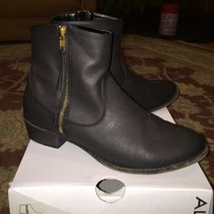 Black booties with gold zipper Like new, black booties. ALDO Shoes Ankle Boots & Booties