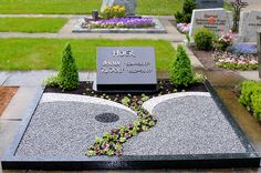 Friedhof Tomb design Tips for Parents: Starting The School Year Right Increased parental inv Cemetary Decorations, Outdoor Landscaping, Outdoor Decor, Grave Flowers, Cemetery, Exterior, Anna, Landscape, Plot Ideas