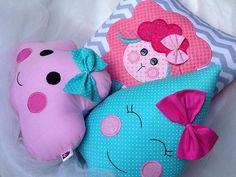 Amor em forma de almofadas   #lulinharte #love #lovely #muitoamor #color #bebe #baby #girl #menina #decor #mae #mom #maternidade