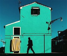 Colorful Compositions Found in the Streets of Burano, Italy - Feature Shoot Street Photography Tips, Figure Photography, Landscape Photography, Art Photography, Photography Composition, Camera Obscura, Colourful Buildings, Make Pictures, Color Studies