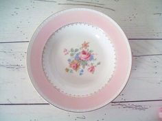 Vintage Home Laughlin Eggshell Georgian Rose Arcadia Pattern Soup Bowl Roses Pink Vintage Bowls, Vintage China, Pink Rims, Pink Bowls, Rose Quartz Serenity, Vintage Dinnerware, Homer Laughlin, Pastel, Pink Patterns