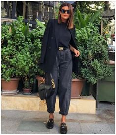 October 19 2019 at fashion / style / women / minimal / dresses / fo. - - October 19 2019 at fashion / style / women / minimal / dresses / for her / Source by Jaya_Dalby_fashion_cutie Looks Street Style, Looks Style, Classy Street Style, Street Style Women, Winter Fashion Outfits, Look Fashion, Fashion Women, Casual Autumn Outfits Women, Summer Outfits