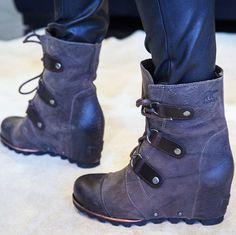Meet the only boots you need all season #SORELstyle #breakintofall #spotlight @sorelfootwear