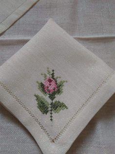 Wool Embroidery, Hand Embroidery Patterns, Cross Stitch Embroidery, Crochet Leaves, Cross Stitch Rose, Macrame Patterns, Bargello, Linen Bedding, Cross Stitching