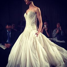 Impeccable details on this @mark_zunino ball gown @kleinfeldbridal