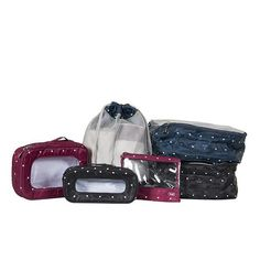 Get your odds and ends organized with this Lug® packing set. Keep jewelry, cosmetics, small toys, and other items separate from the rest of your travel essentia