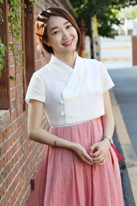 Korean Traditional Dress, Traditional Fashion, Traditional Dresses, Simple Dresses, Casual Dresses, Short Dresses, Fashion Dresses, Korean Dress, Korean Outfits
