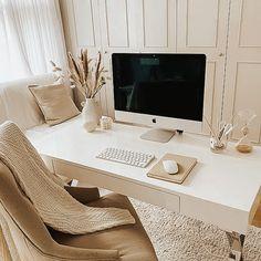 Cozy Home Office, Home Office Setup, Home Office Space, Home Office Design, Home Interior Design, Dream Home Design, Office Inspo, Office Desk, Chic Office Decor