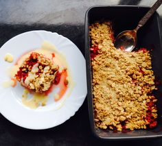 Deliciously Healthy Strawberry Crumble Recipe