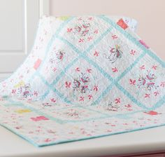 Butterfly Dance by Cinderberry Stitches for Riley Blake Designs: Free Quilt Pattern #rileyblakedesigns #butterflydance #cinderberrystitches #freequiltpattern