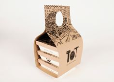 Packaging para Tapas Orgánicas Take away, según brief entregado se diseñó un packaging de cartón, que solo a partir de pliegues se arma su estructura. Se creó el concepto de negocio, la marca y la gráfica. Teniendo en cuenta la tendencia actual de tener u…