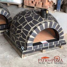 Black Outdoor Pizza Oven with Mosaic Tile