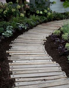 40 Simply Amazing Walkway Ideas For Your Yard - Page 38 of 40 - Gardenholic