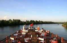 3 days Cruising Mekong from Saigon to Phnom Penh (incl. accommodation) – Multi-Day Modules Cambodia combi with Vietnam | Stay on a comfortable cruise for 1 night while you explore the Mekong Delta in Vietnam. From here you continue your journey to the border of Cambodia, where you stay in a beautiful hotel, before heading off to Phnom Penh by speedboat the next day.