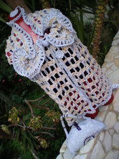 Maxi gilet interamente uncinetto, in lana e filato speciale  con collo morbido ed abbondante effetto rusce, tg 44/46, (capo unico non riproducibile)