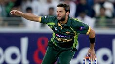 Two wickets, 3 catches, 23 off 8: Shahid Afridi leads Pakistan   #wickets #win #cricket #crickettalk #sports #PakvNZ