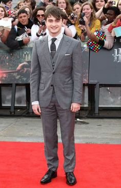 Daniel Radcliffe on the Red Carpet - Suited and booted & looking tall - www.xsclusive.co.uk
