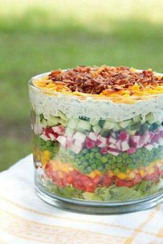 Seven Layer Salad seriously the best healthiest salad I've ever loved! The post Layered Salad appeared first on Tasty Recipes. One Dish Meals Tasty Recipes Think Food, Love Food, Great Recipes, Favorite Recipes, Popular Recipes, Tasty, Yummy Food, Cooking Recipes, Healthy Recipes