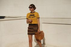 . Camiseta / T-shirt: Urban Outfitters (old) HERE  . Falda / Skirt: First and I (HERE and HERE)  . Bolso / Bag: vintage