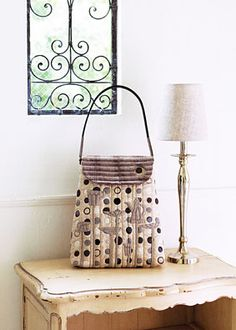 Additional Images of Yoko Saito's Bags for Everyday Use by Yoko Saito - ConnectingThreads.com Yoko Saito, Patchwork Bags, Quilted Bag, Japan Bag, Bag Design, Handmade Bags, Beautiful Bags, Purses And Bags, Totes