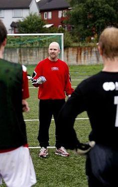 Bjørn Tore Karlsen bryr seg ikke om hvilken divisjon A-laget til Rygge spiller i. Nå vil han ta et nytt tak i klubbens røde tråd, der utvikling av spillere står høyest i kurs.
