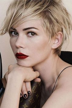 Long pixie cut with bangs is one of the biggest trends of this season. So we have gathered Long Pixie Hairstyles with Bang that you will absolutely love! Hair Styles 2016, Short Hair Styles, Pixie Styles, Celebrity Pixie Cut, Celebrity Beauty, Fall Hair Cuts, Long Pixie Cuts, Short Pixie, Messy Pixie