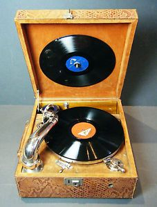 LUXURY FRENCH 1920'S PATHE WIND UP PORTABLE GRAMOPHONE/ PHONOGRAPH FULLY WORKING
