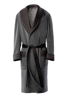 Scabal's exclusive bespoke dressing gown - to celebrate 40 years providing the finest fabrics for the Hollywood film industry Pijama Satin, Mens Silk Pajamas, Men's Robes, Bath Robes, Concept Clothing, Smoking Jacket, Gents Fashion, Lingerie Sleepwear, Alternative Fashion