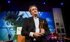 Martin Michael Driessen wint ECI Literatuurprijs voor zijn verhalenbundel 'Rivieren'. Het is zeldzaam dat zo'n verhalenbundel een grote literatuurprijs wint.