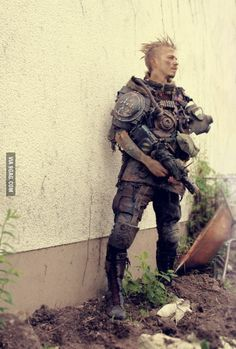 I`ll go to a postapocalyptic larp (F.A.T.E.) with 1000+ peeps in Germany next week, how do u like my outfit?