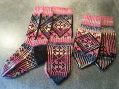 Anton votter og sokker strikket i Opal. Socks, Winter, Fashion, Winter Time, Moda, Fashion Styles, Sock, Stockings, Fashion Illustrations