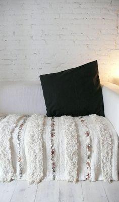Handira  Vintage Moroccan Wedding Blanket  small by lacasadecoto, €195.00