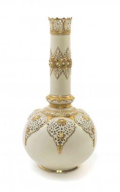 A Royal China Works Porcelain Vase, Grainger & Co., : Lot 1106