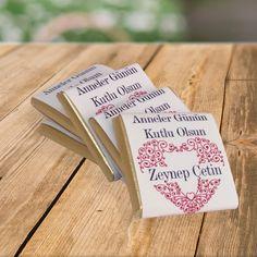 Anneler Gününe Özel İsim Yazılı Çikolata