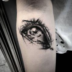 Small eye ⚫ #eye #tattoo #trashlines #eyes #sketch #tattoos #ink #inked #inkedgirl #tattoogirl #smalltattoo #luxembourg #inks #tatuaż…