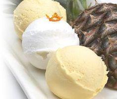 Nagyon szeretem a fagylaltot és a jégkrémet, ezekről mondtam le a legnehezebben amikor fogyókúrába kezdtem. Meleg nyári estén olyan jó kiülni a hintaágyba egy… Diabetic Recipes, Diet Recipes, Healthy Recipes, Frozen Yogurt, Sweet Life, Sorbet, Gelato, Food To Make, Muffin