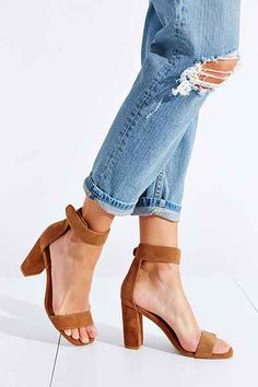 18 Pairs Of Shoes For Every Occassion That Are Fashionable And Comfortable