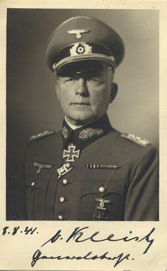 Generaloberst, and later Generalfeldmarschall, Ewald von Kleist in autographed and dated portrait.