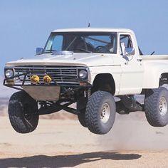 inkd-up:  #oldschool #ford #desert #prerunner #sand #dirt #lifted #jackedup #liftkit #suspension #offroad #4x4 #4wheeldrive #tires #monstertruck #truck #shocks #truckstagram #monster #jump #air #awesome