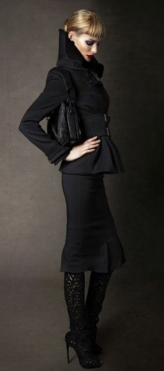 First Look: Tom Ford Autumn/Winter 2011 Womenswear Collection Images (HQ) News Fashion, Fashion Moda, Fashion Week, Look Fashion, High Fashion, Womens Fashion, Fashion Design, Fashion Trends, Tom Ford