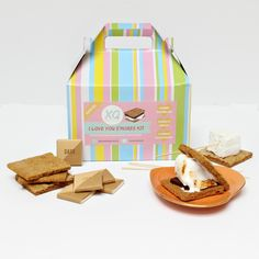 Gourmet s'mores kit (set of // seasonal - marshmallow - smores - graham cracker - free Dutch Oven Roast Chicken, Oven Roasted Chicken, Grilled Brisket, Smores Kits, Marshmallow Smores, Gluten Free Graham Crackers, Fire Kids, Campfire Food, Camping Supplies