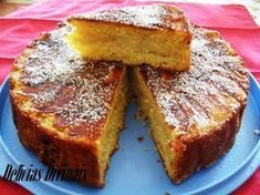 This Portuguese apple cake (bolo de maçã) will become one of your favorites, it looks great and tastes incredible. Apple Cake Recipes, Apple Desserts, Baking Recipes, Dessert Recipes, Apple Cakes, Cookie Recipes, Portuguese Desserts, Portuguese Recipes, Food Cakes