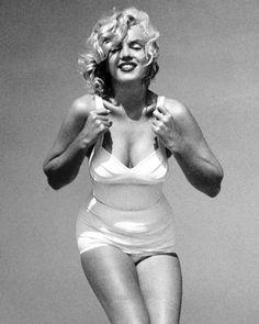 Marylin Monroe, Marilyn Monroe Photos, Marilyn Monroe Style, Golden Age Of Hollywood, Vintage Hollywood, Hollywood Glamour, Stephane Audran, Norma Jeane, Up Girl