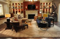 Welcoming Living Room The Brennan-Booth house reflects a traditional Americana… Living Room Colors, My Living Room, Home And Living, Living Room Furniture, Living Room Designs, Living Room Decor, Tv Show House, Booth And Brennan, My Dream Home