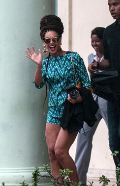 Beyonce Knowles: Grown Woman in Cuba Beyonce Knowles Carter, Beyonce And Jay Z, Solange Knowles, Beyonce Style, Mrs Carter, Grown Women, Celebs, Celebrities, Queen