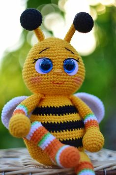 English crochet pattern toy baby bee, pdf 22 pages of detailed description and step-by-step photos When using these materials, the size of the toy is 25 centimeters Baby Knitting Patterns, Amigurumi Patterns, Baby Patterns, Crochet Patterns, Crochet Dragon, Little Critter, Crochet Accessories, Beautiful Crochet, Handmade Toys