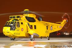 My first attempt at Night Photos, 19th March 2009, a very cold evening at RAF Northolt. Sea King starts up and has still and moving rotor blades, beginners luck! I have tried to do this again on a few occasions and it really needs perfect timing as c http://peview.com/khoi-nghiep/  http://peview.com/quan-ly-lanh-dao/  http://peview.com/phat-trien-ban-than/
